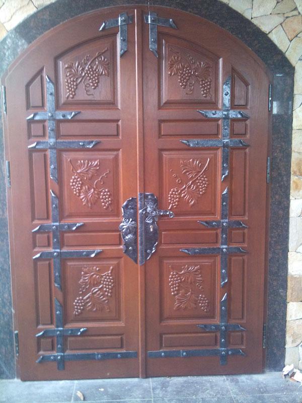 двери входные для садового домика